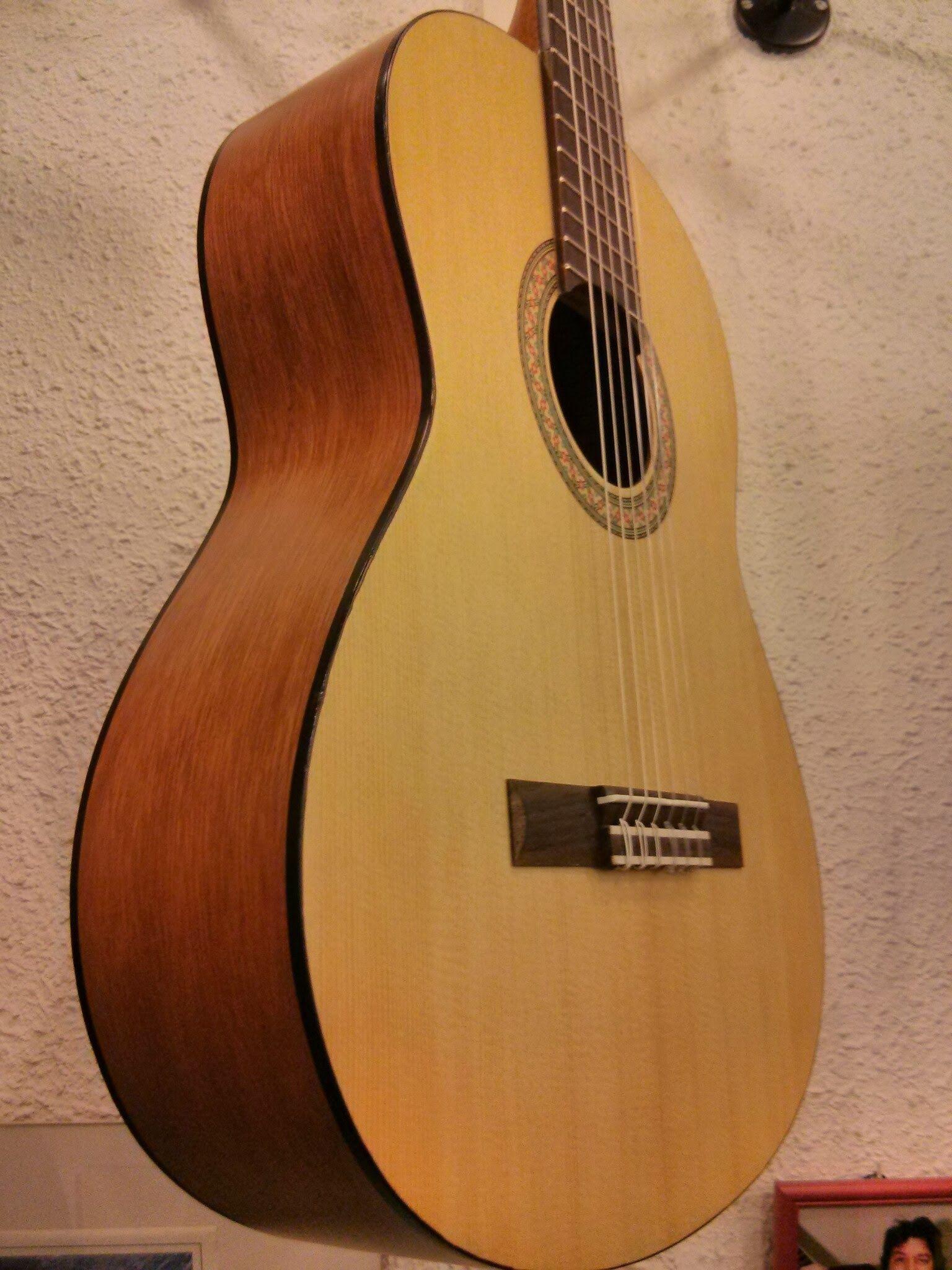MusicAlex Instruments-Guitarra Yamaha C-30M